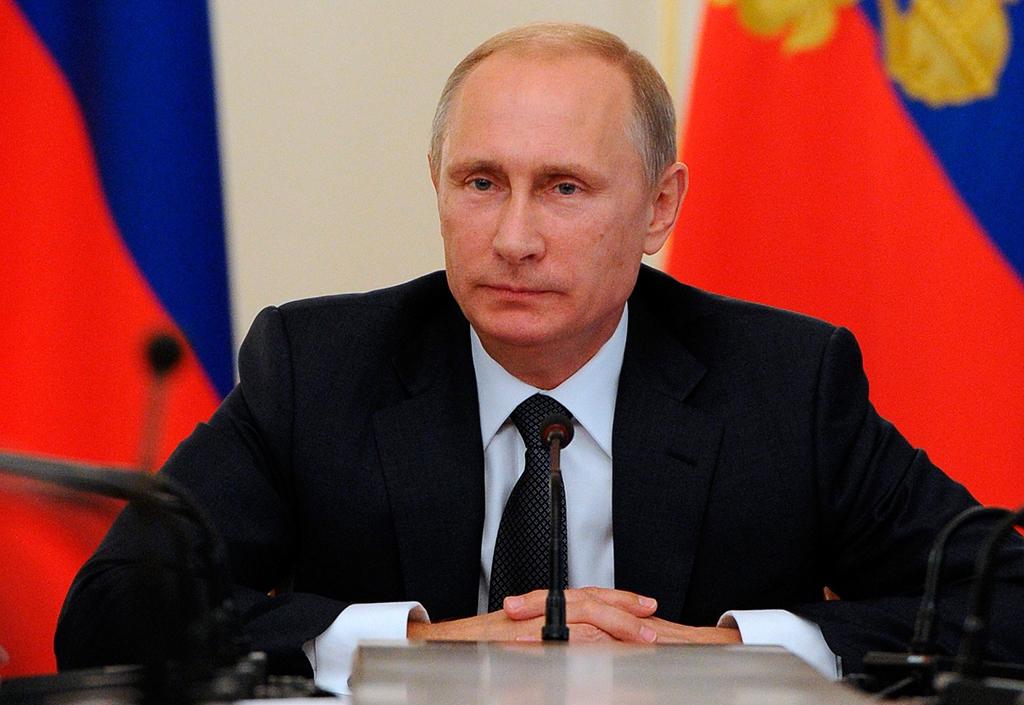 Путин утвердил дополнительные выплаты семьям с детьми